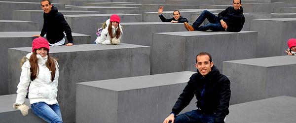 en-el-monumento-al-holocausto