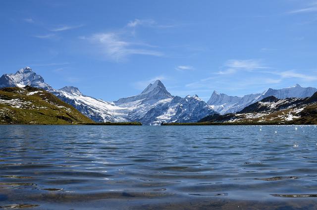 El lago Bachalpsee, uno de los lagos más bonitos de Suiza