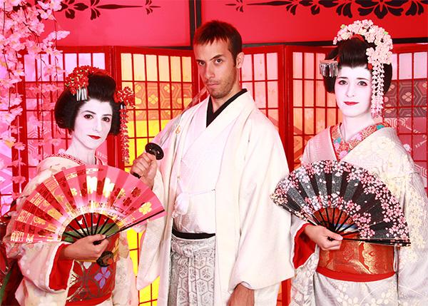 Bestial transformación como samurai y maikos en Kioto